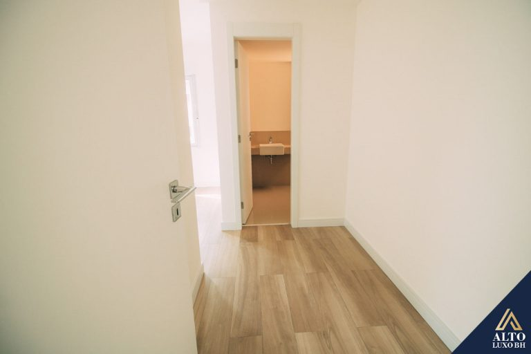 Cobertura 2 quartos, 1 suíte, na Savassi