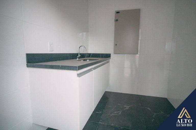 Sala com 400 m², próxima a Praça da Savassi