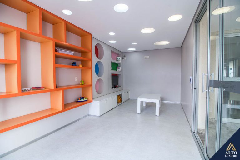 Apartamento de 4 Quartos, 2 Suítes, Quadra de Tênis no Santo Agostinho