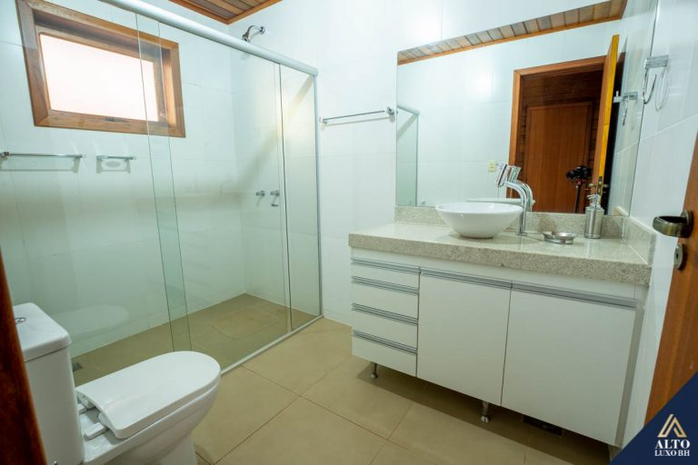 Casa no Condominio Retiro do Chalé